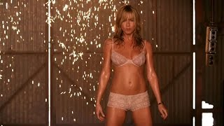 Jennifer Aniston Striptease  We39 re the Millers