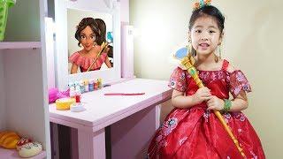 Seoeun Want to Be Princess Elena