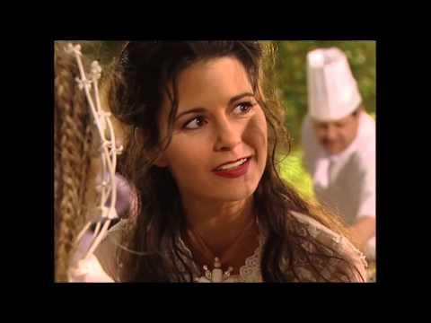 Nina redt Janine op de bruiloft.  || GTST