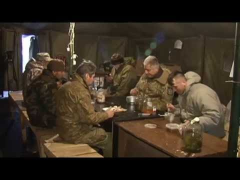 Ukrainian Volunteers Help Troops with Food: Activists keep soldiers on front lines from going hungry