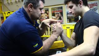 Top roll technique in armwrestling - exercise with Igor Mazurenko