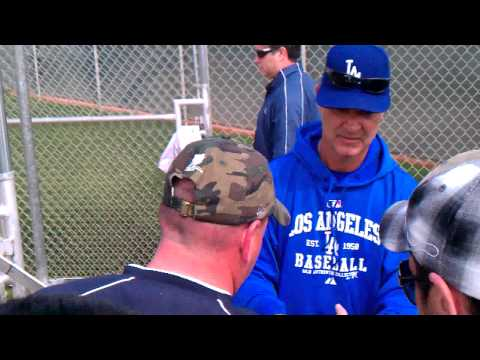 Don Mattingly Los Angeles Dodgers Signing Autographs