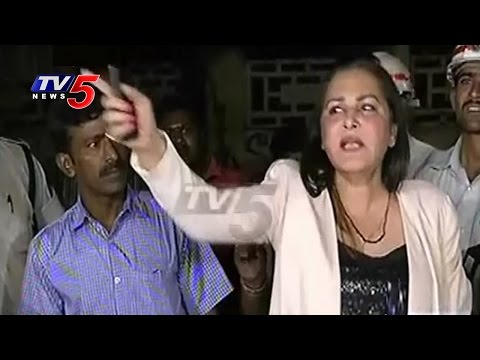 Drunk & Drive | Actress Jaya Prada Fight With Traffic Police & Media | TV5 News