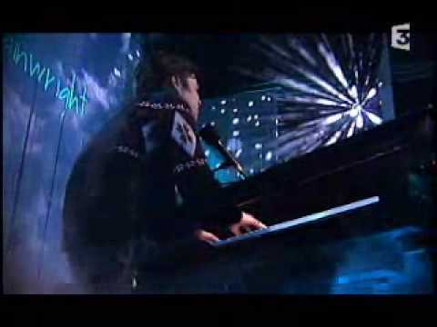 Rufus Wainwright - Going to a Town - Live French TV