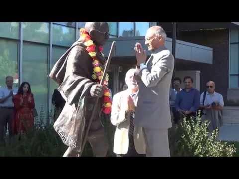 Gandhi Jayanti 2014 - Garlanding of Mahatma Gandhi's Statue in Ottawa
