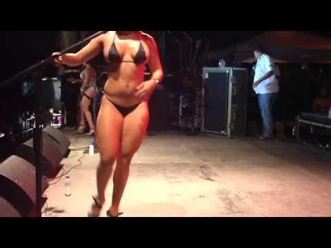 Clip video Streppers Rumba Universitaria UC (Dj Dass) - Musique Gratuite Muzikoo