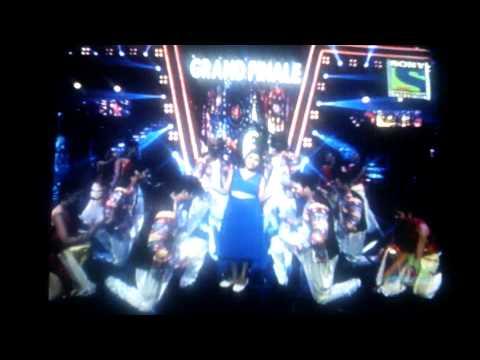 indian idol grand finale by niharika and moti 6.9.2015
