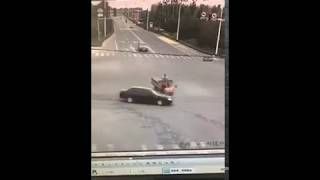 Only in China: Incredible Trike Accident in China