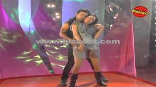Dirty Picture: Silk Sakkath Maga - Veena Malik's Hot Dance || Making of Kannada Movie Silk Sakkath Maga