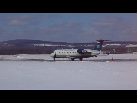 US Airways Express CRJ-200 Awesome Jet Blast + Take off at YQB (3/8/14)