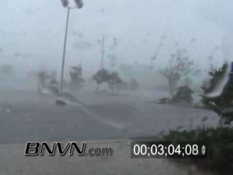 8/13/2004 Hurricane Charley Video Part 5 - Charley Hits Punta Gorda, Florida