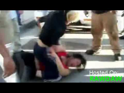 Hot ghetto chick street fight Image 1