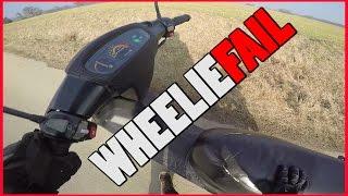 Wheelie Fail mit dem Roller