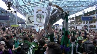 The Portland Timbers arrive at PDX with the MLS Cup in front of huge crowds