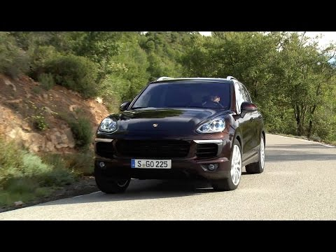 New 2015 Porsche Cayenne S - DRIVING