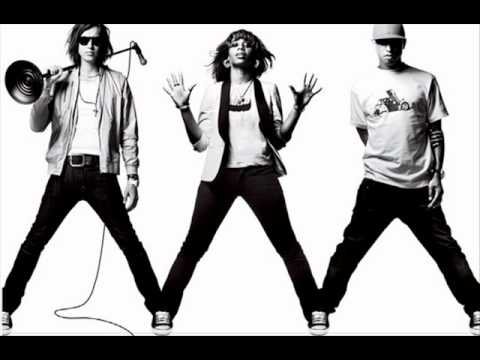 N.E.R.D Ft. Santogold & Julian Casablancas - My Drive Thru.wmv