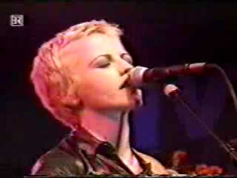 The Cranberries - Waltzing Back '95