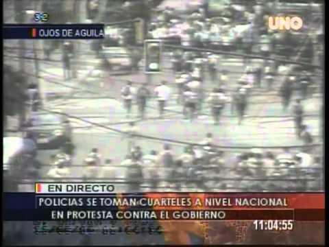 Incidencias y Desmanes por protestas de policiales en Guayaquil. 30/09/2010 Desmanes en Guayaquil. 30/09/2010 Incidencias de las protestas policiales. Rechaz...