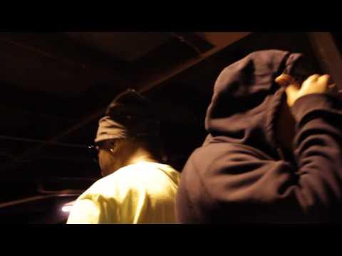 Da Brat (@ONLY1BRAT) Feat MR (@mynamemister) – I'm Mad