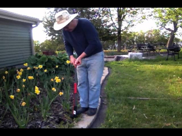Garden Tool Review; Garant Dandelion Weeder