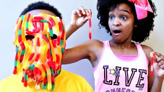 Bad Baby Shiloh GUMMY FACE! - LOTS OF CANDY CHALLENGE! - Shasha and Shiloh Onyx Kids