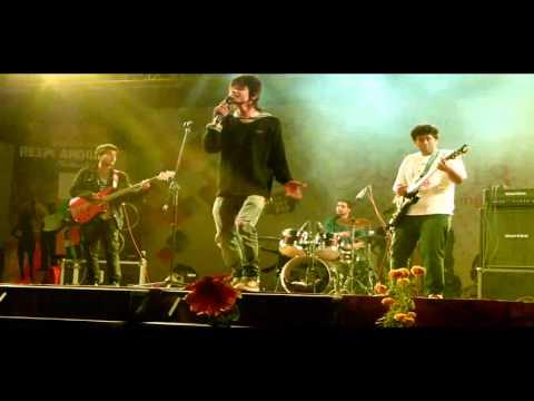 Headshot! Live at SUSCET - Hum Kis Gali (Atif)