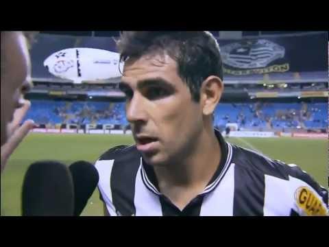 Herrera faz 3 gols mais se recusa a pedir musica