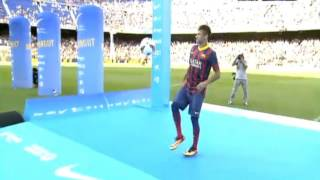 Neymar  freestyle skills  at  Presentation  at  Barcelona  03.06.2013