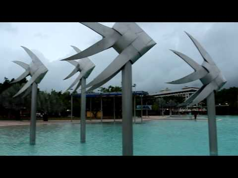 Cairns getting ready for Tropical Cyclone Ita. 11.04.2014