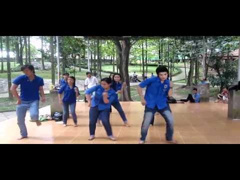 Dân vũ DzaKa Brazil đây do CLB Nhiệt Huyết Trẻ trình bày