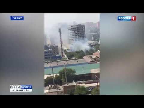 Два крупных пожара в эти минуты пытаются потушить в Краснодаре