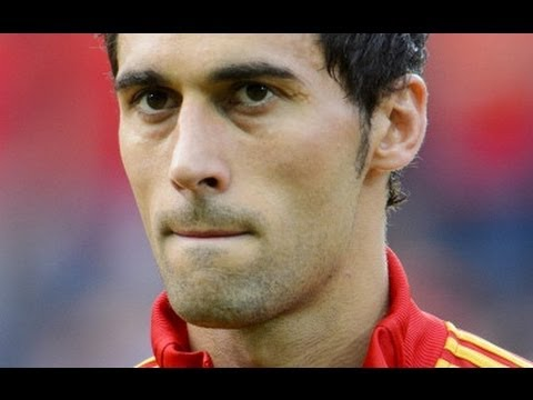 Spain v Italy: Arbeloa out, Balotelli comes through thigh scare
