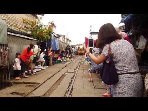 Maeklong Railway Market @ Bangkok