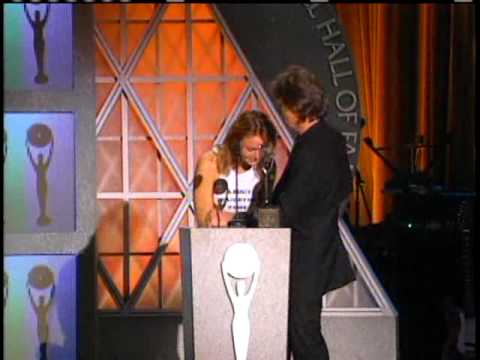 Paul McCartney accepts Induction 1999