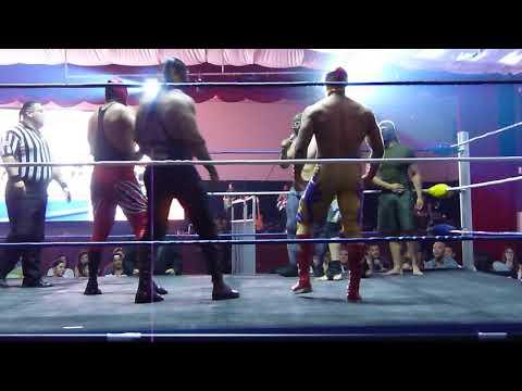EL ENCUENTRO DEL CMLL CON LOS DEL MMA ARTES MARCIALES MIXTAS EN EL GRAN RECINTO