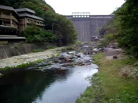 湯原温泉街 露天風呂で日本一 混浴OK 水着は不可