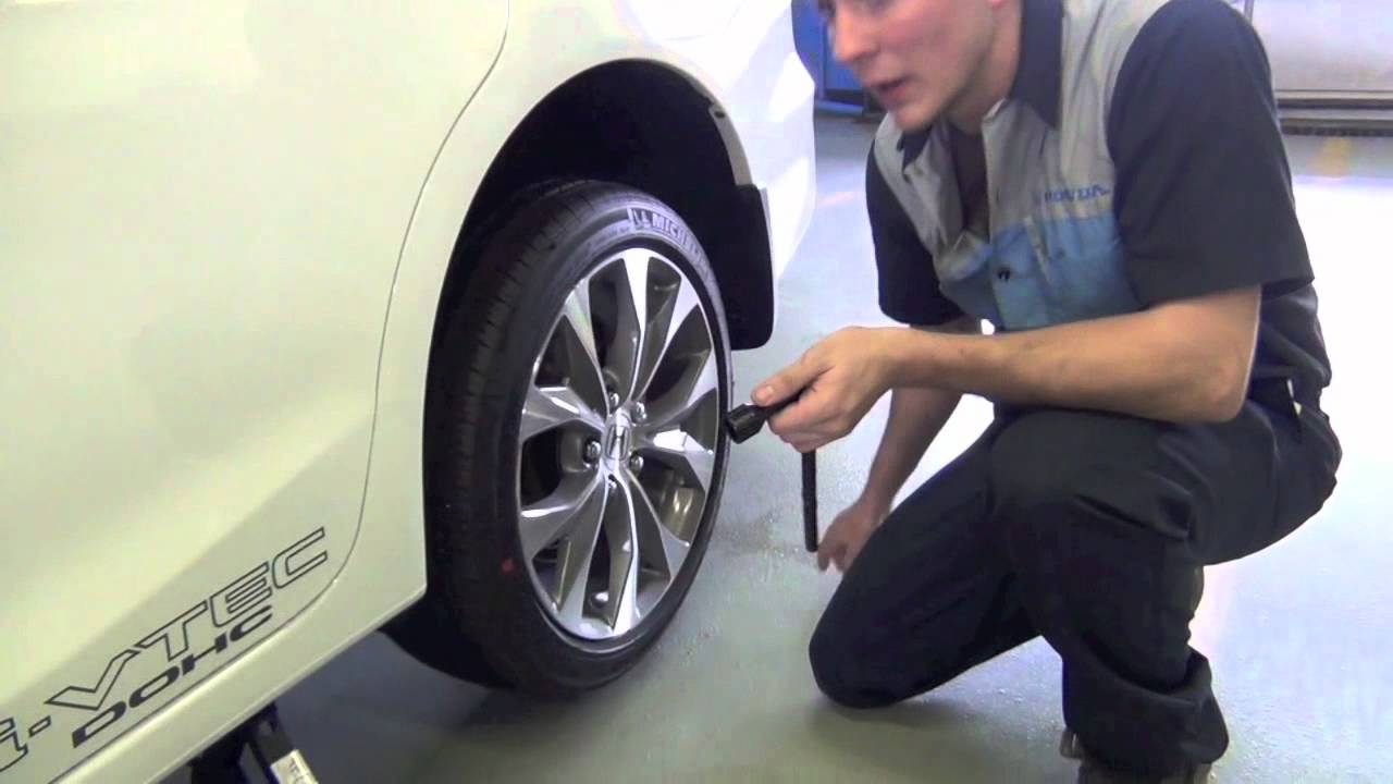Changing a Tire on a Honda Vehicle - Don Jacobs Honda - Lexington, KY - YouTube