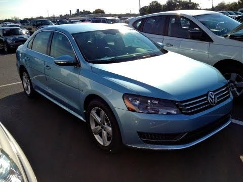 2012 Volkswagen Passat SE 2.5L Start Up, Quick Tour, & Rev With Exhaust View - 700 Miles