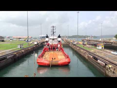 JB-119, Panama lock gates