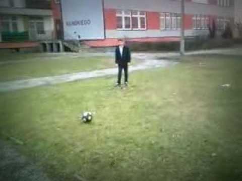 Piłka Nożna W Koszu :D