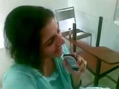 Beautiful Voice Of Unknown Pakistani Girl Singing Like Shraddha Sharma video