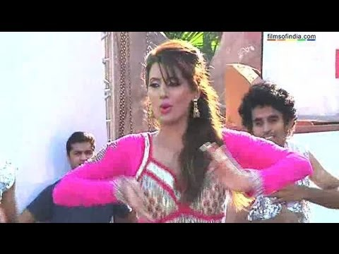 UNCENSORED:Geeta Basras Hot Dance