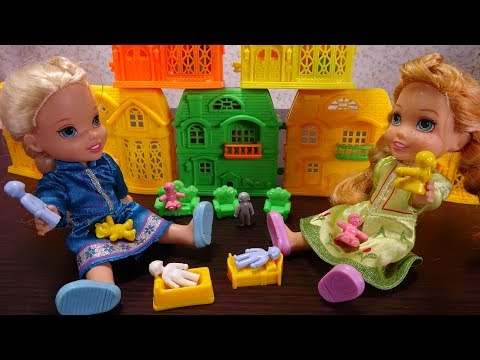Elsa and Anna toddlers buy toys online and get a huge parcel full of toys