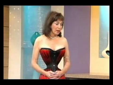 A mulher com a cintura mais fina do mundo