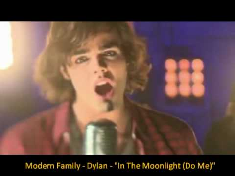 In the Moonlight (Do me) - Dylan - Modern Family (on ABC) [w/ Lyrics in the bottom bar]