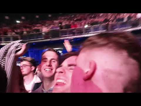 Cigarettes and Alcohol (encore, with fans moshing) - Liam Gallagher live at 3arena Dublin,  24/11/19