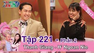 Hồng Vân 'trố mắt' nghe tục 'bắt chồng' của cô dâu Ê Đê   Thanh Giang - H' Ngoan Nie   VCS #221 😵