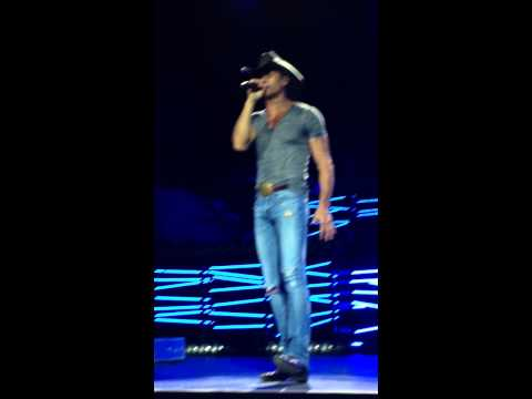 Tim McGraw - Indian Outlaw (SBC, Shotgun Rider Tour 8/29/15)