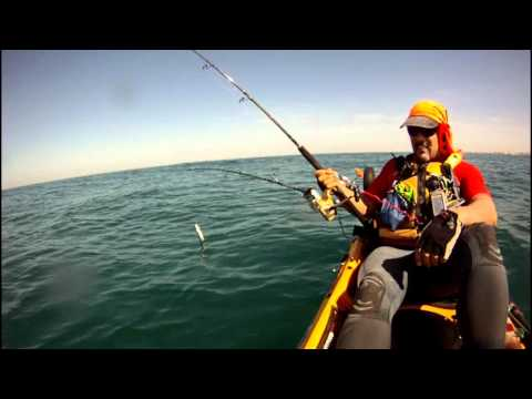 PESCA EN KAYAK, CORVINA 23 KILOS. Music Videos
