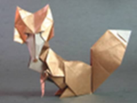 Instructions for an origami vixen / fox (Román Díaz)